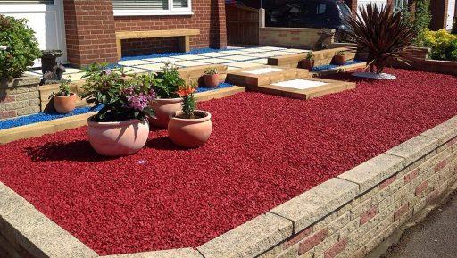 piedra roja jardinera