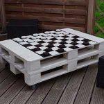 mesa con palets para jardin y terraza