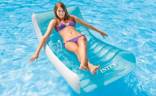 tumbona hinchable piscina