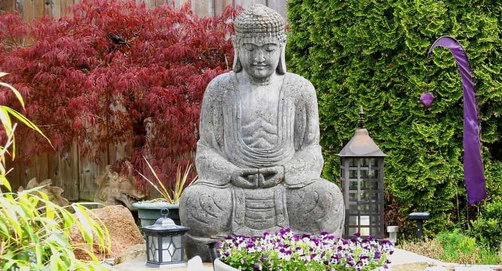 estatua buda jardin